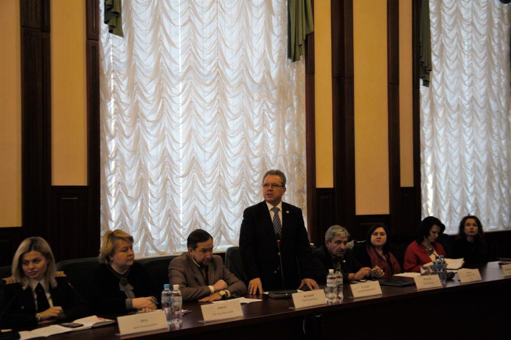 Круглий стіл «Україна – Схід:  діалог цивілізації та міжнародні відносини»