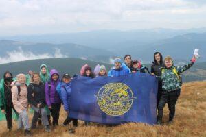 Студенти та викладачі Факультету міжнародних відносин НАУ підкорили найвищу висоту України – гору Говерлу