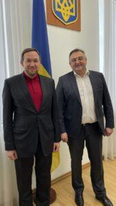 (Українська) Співпраця з Дипломатичною академією України